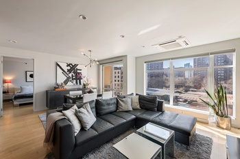 Spacious & bright one bedroom with balcony on the border of DUMBO & Vinegar Hill!